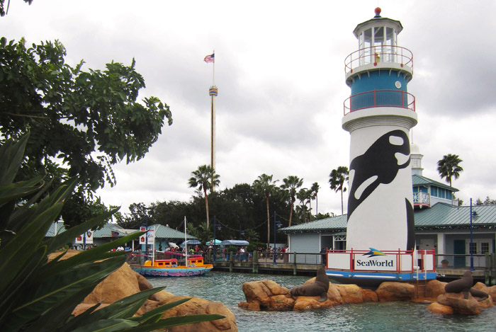 Read Holiday Snaps: Day 2 – Seaworld by April