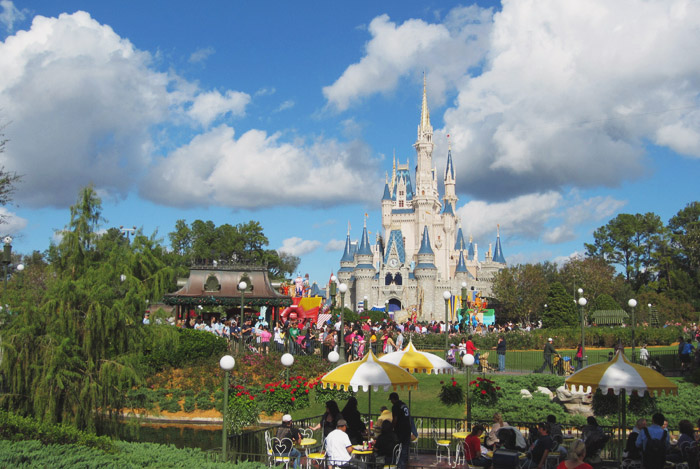 Read Holiday Snaps: Day 6 – Magic Kingdom by April
