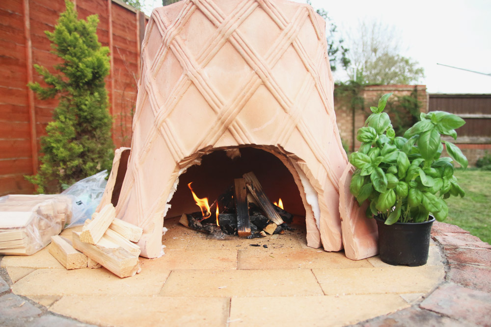 DIY: Plantpot Pizza Oven