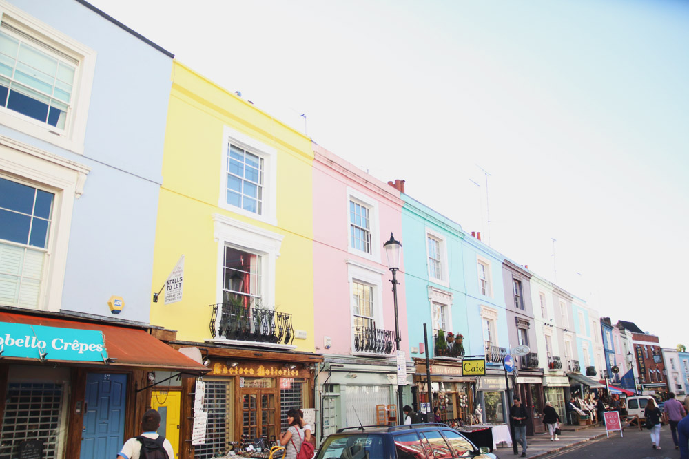 Read The Colourful Houses of Notting Hill & Portobello Road by April