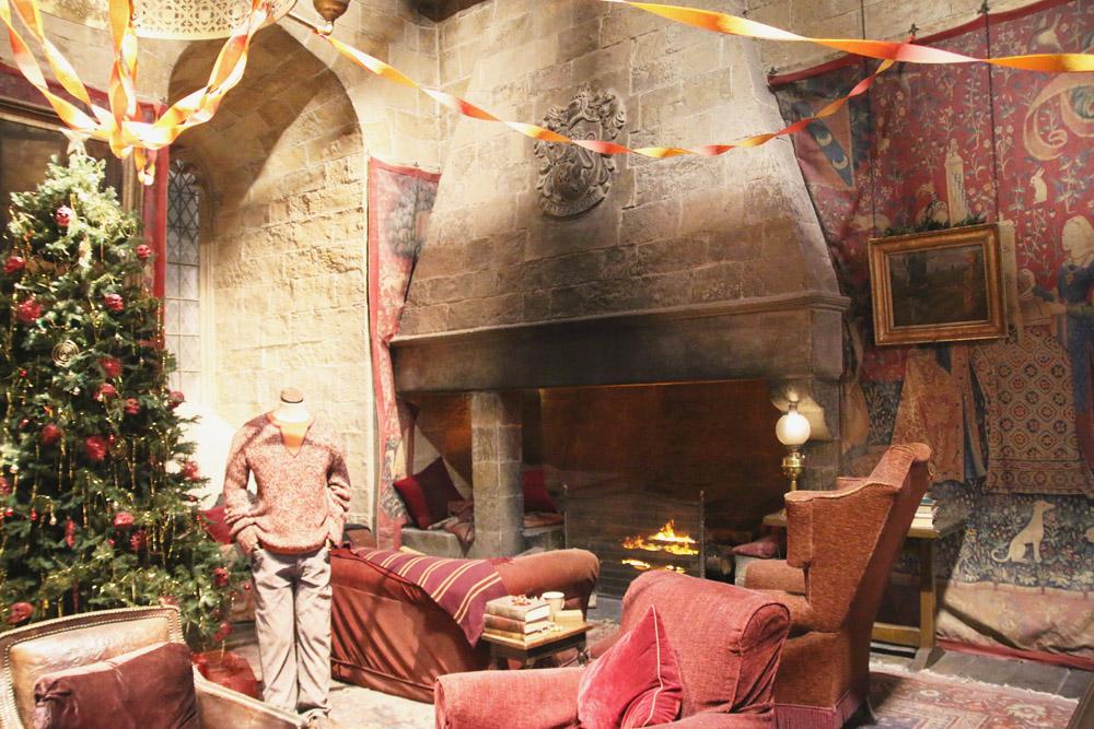 Harry Potter Warner Bros Studio Tour London Gryffindor Common Room
