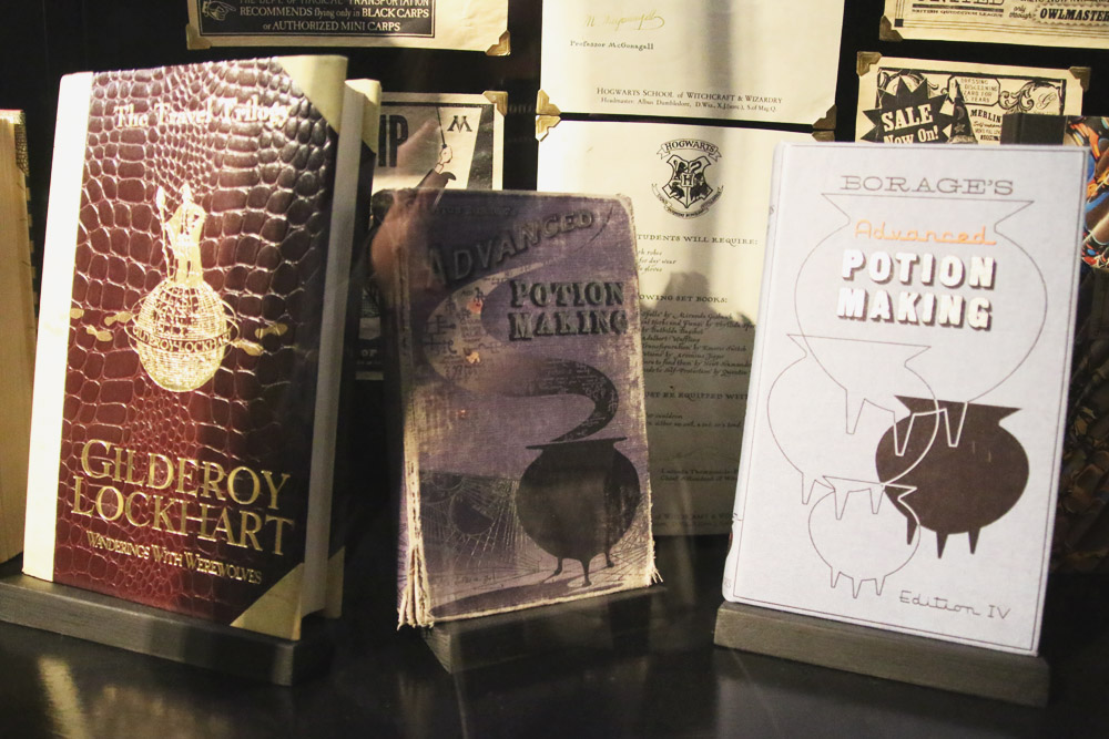 Harry Potter Warner Bros Studio Tour London Books