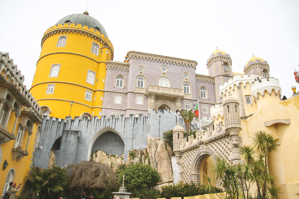 Read Visiting the Colourful Pena Palace in Sintra by April