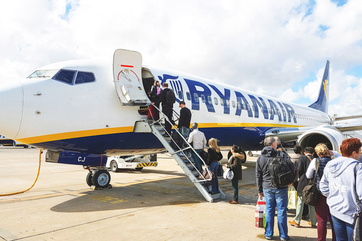 Read Airline Review: Ryanair by April